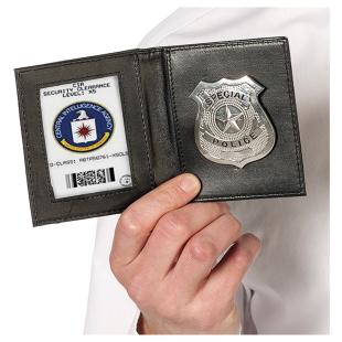 Polizeiausweis mit Badge