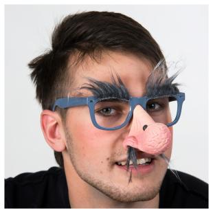 Brille mit Nase, Nasenhaar